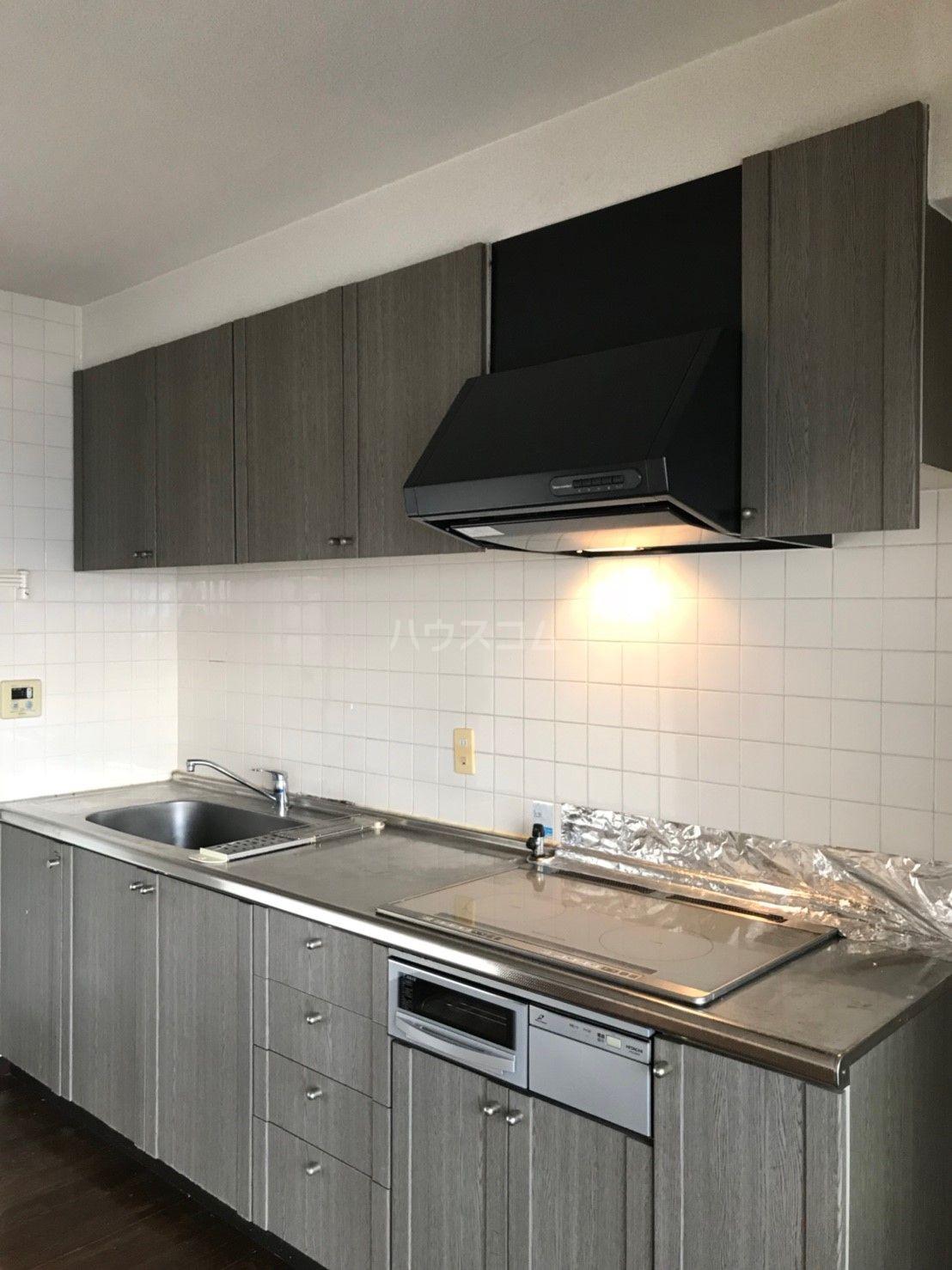 ロマネスク箱崎タワーホームズ E402号室のキッチン