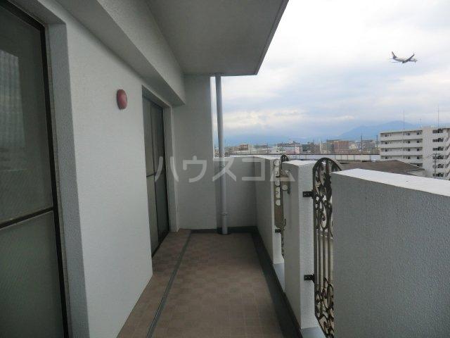 ロマネスク箱崎タワーホームズ E402号室のバルコニー