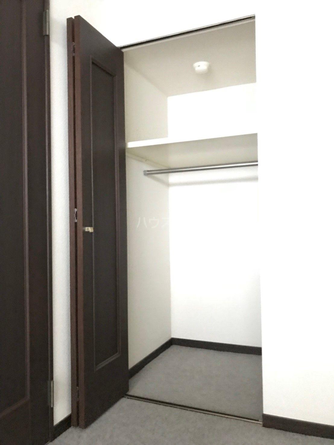 ロマネスク箱崎タワーホームズ E402号室の収納