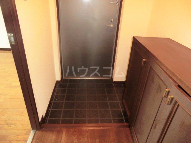 ロマネスク箱崎タワーホームズ E402号室の玄関