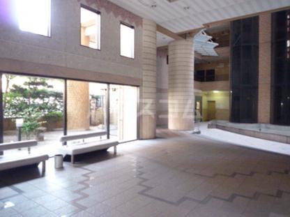 ロマネスク博多駅前 305号室のロビー