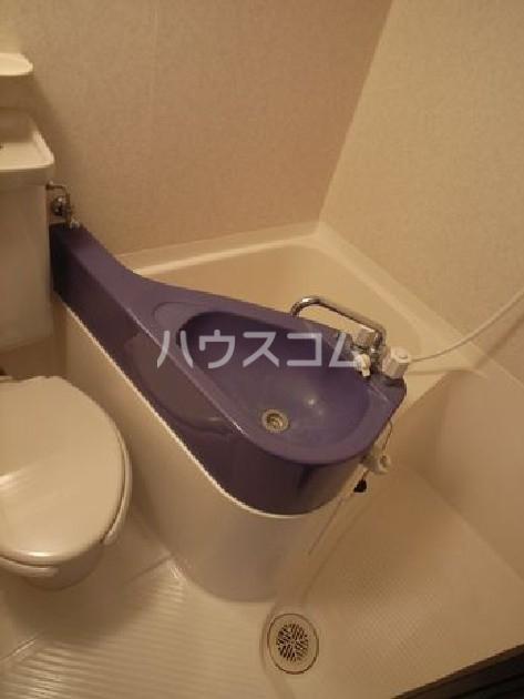 ロマネスク博多駅前 305号室のトイレ