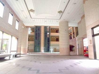 ロマネスク博多駅前 816号室のロビー