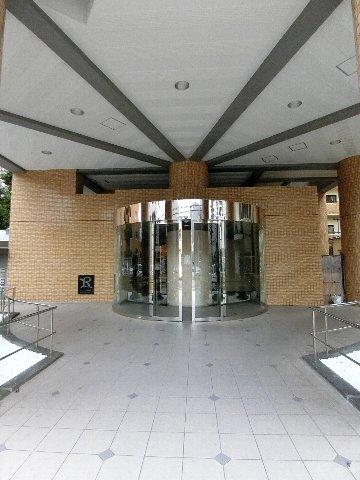 ロマネスク博多駅前 816号室のエントランス