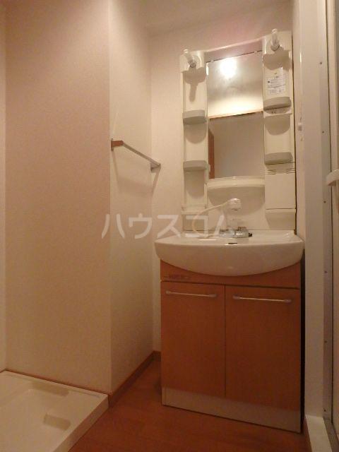 恵比須千早ビル 201号室の洗面所