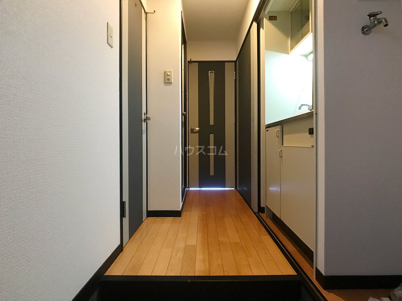 ピュアドームフローリオ博多 501号室の玄関