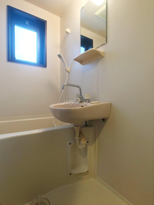ピュアドームフローリオ博多 501号室の風呂