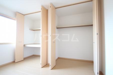 グランコート南里 A A101号室の収納