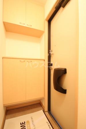 グランコート南里 A A101号室の玄関