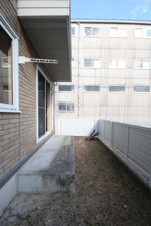 グランコート南里 A A101号室のバルコニー