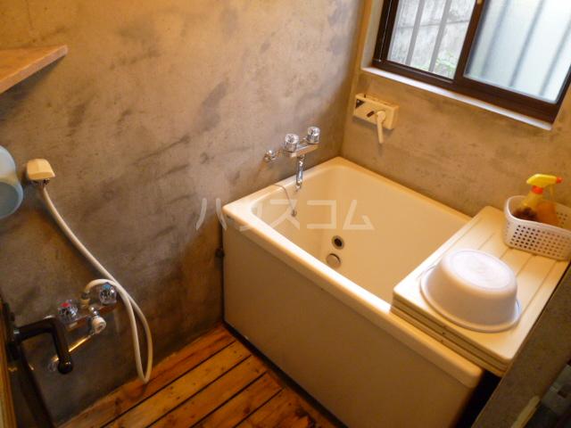 菊水荘 201号室の風呂