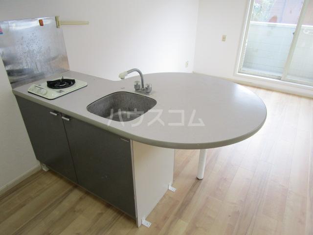 シャンフォンテM 101号室のキッチン