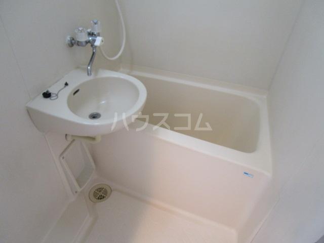 シャンフォンテM 101号室の風呂