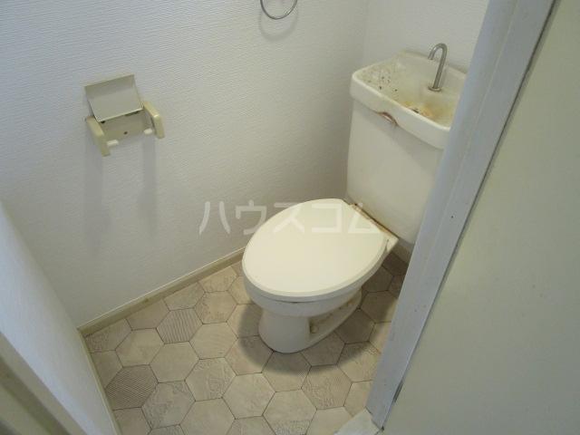 シャンフォンテM 101号室のトイレ