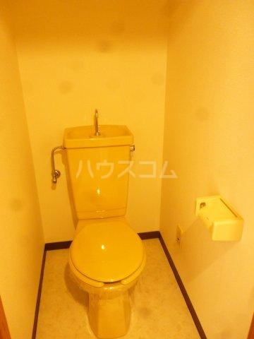 フォルム行徳 103号室のトイレ