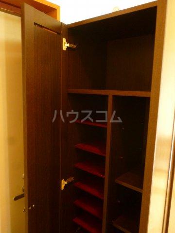 フォルム行徳 103号室の玄関