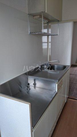 メゾンサヴェール 202号室のキッチン