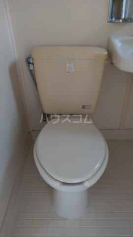 メゾンサヴェール 202号室のトイレ