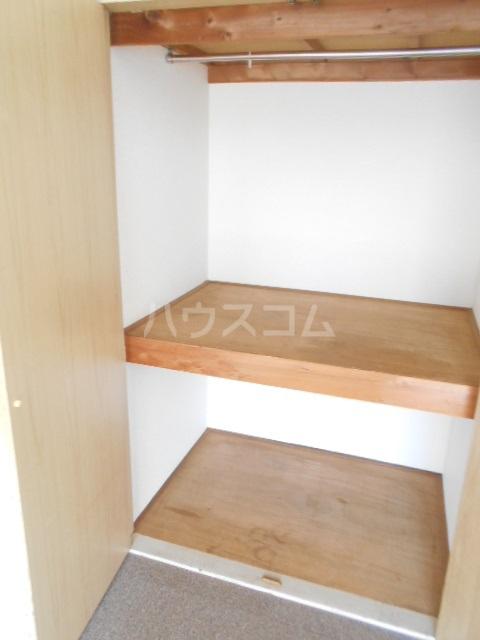 リバーサイドヴィラ 102号室の収納