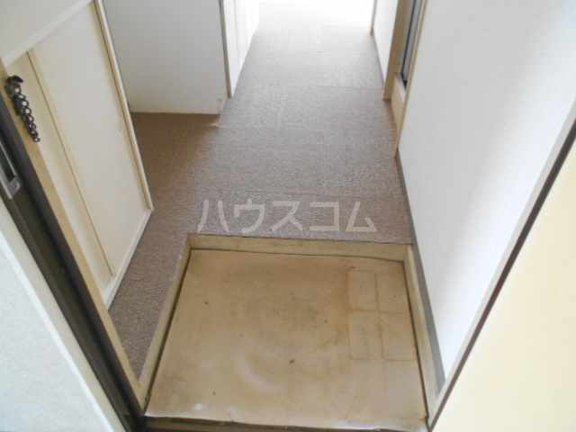 リバーサイドヴィラ 205号室の玄関
