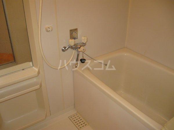 スプリームハイツ A103号室の風呂