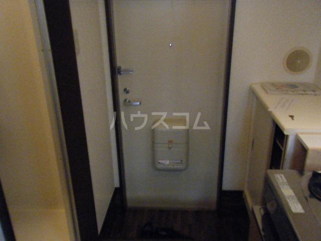エテルノ聖蹟 206号室の玄関