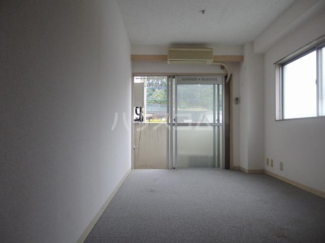 タウンライフ多摩センターⅡ 306号室のリビング