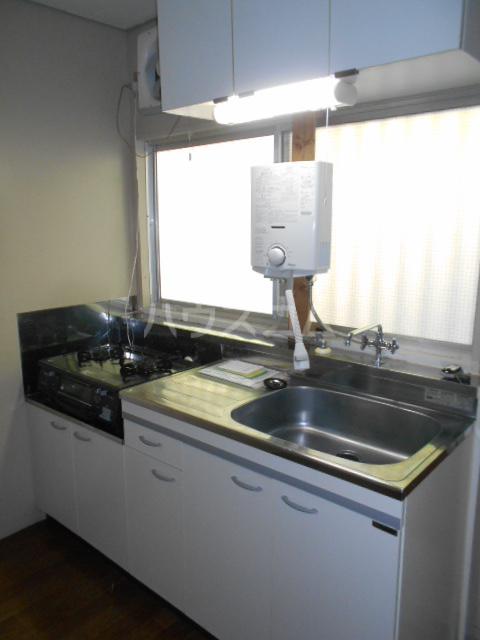 諏訪ハイム9 102号室のキッチン