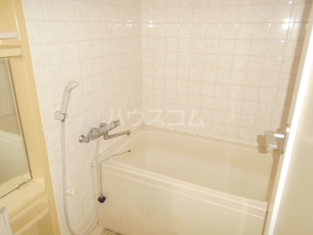 ノーブル貝取 302号室の風呂