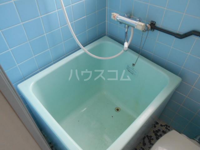 第2もはん荘 202号室の風呂