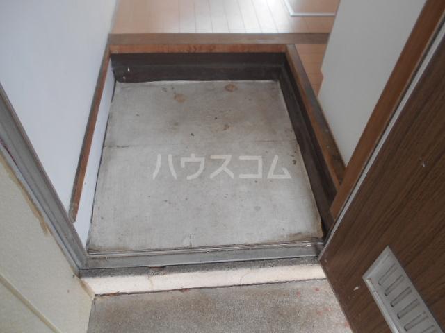 第2もはん荘 202号室の玄関