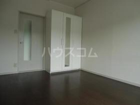アメニティ南陽台 207号室の居室