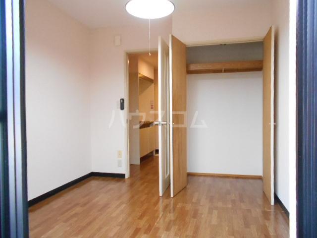 グリーンウッドⅠ 203号室の居室