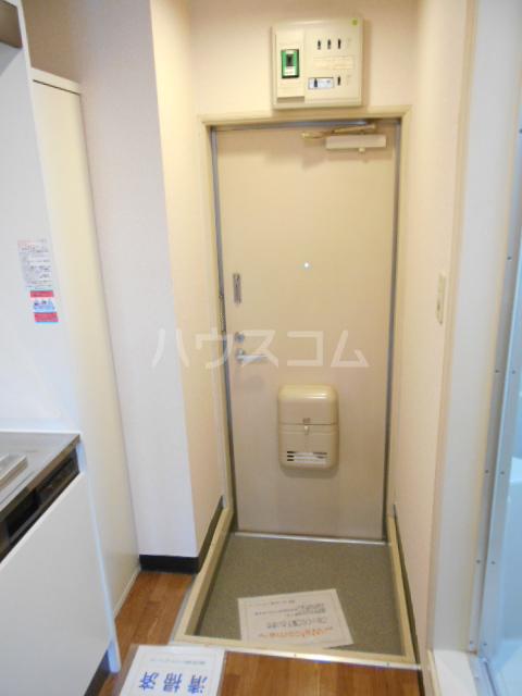 グリーンウッドⅠ 203号室の玄関