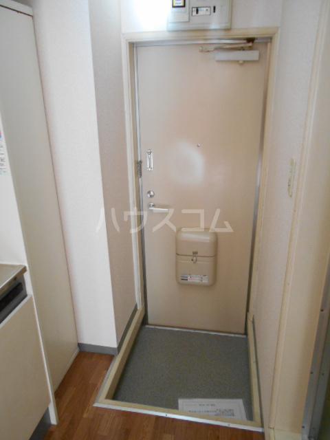 グリーンウッドⅡ 102号室の玄関