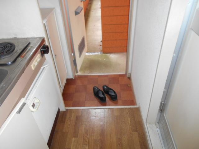 ホワイトウイング連光寺Ⅰ 101号室の玄関