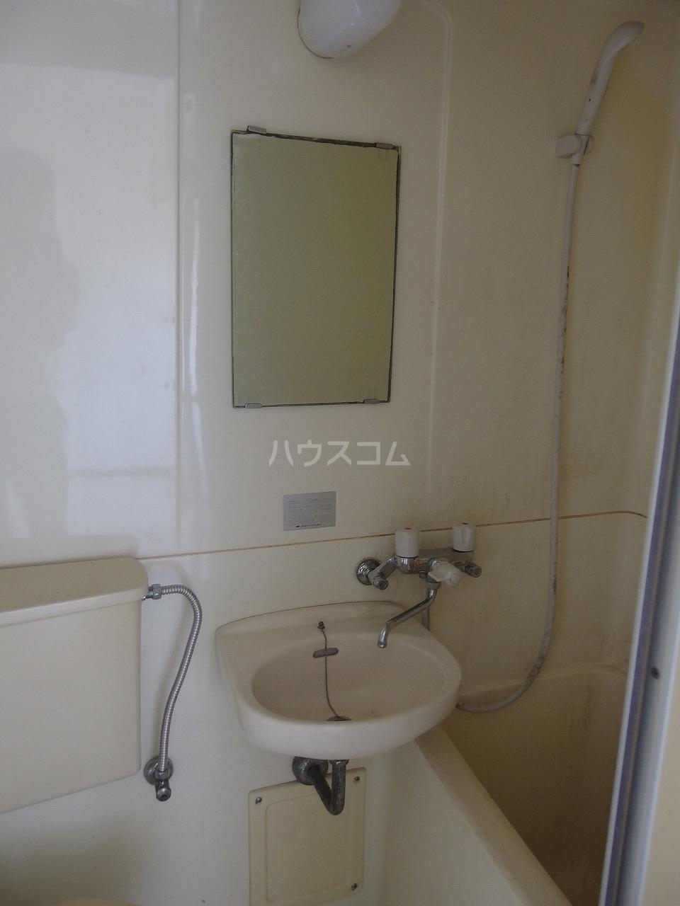 アベニューⅡ 305号室の洗面所