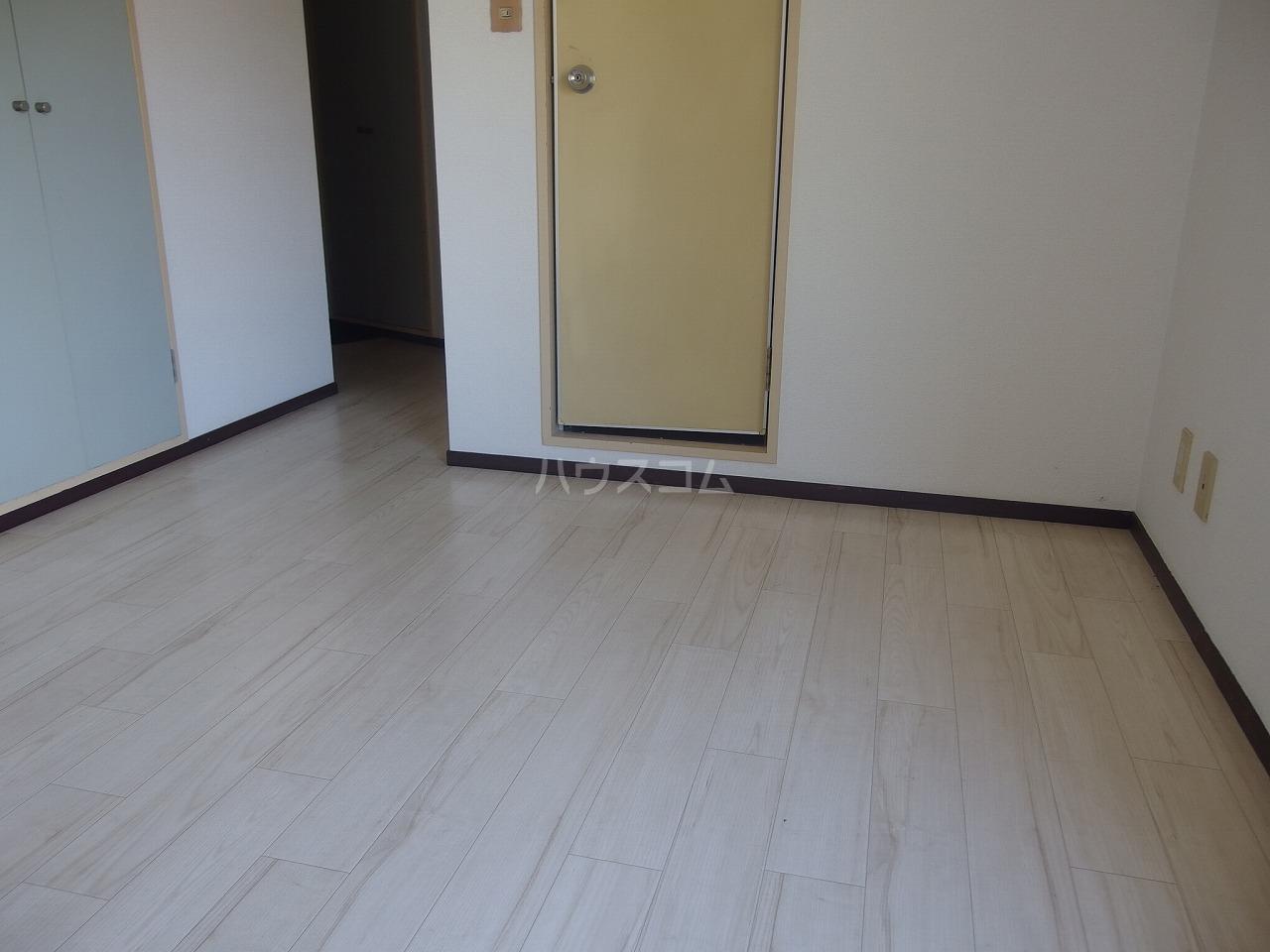 アベニューⅡ 305号室のバルコニー