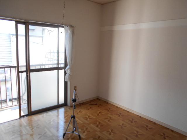ヴィラ永山 202号室のリビング