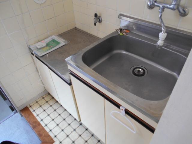 ヴィラ永山 202号室のキッチン