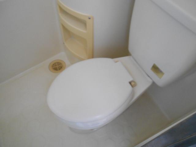 ヴィラ永山 202号室のトイレ