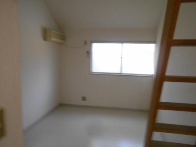 セフィール程久保 208号室のリビング