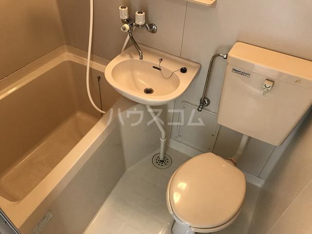 プチメゾン 102号室の風呂