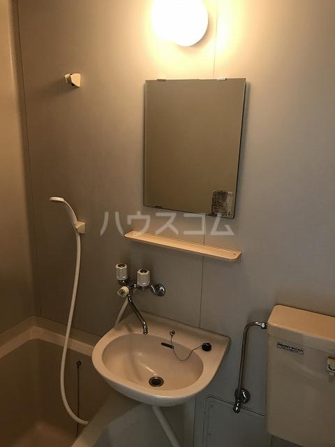 プチメゾン 102号室の洗面所