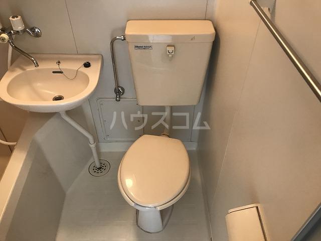 プチメゾン 102号室のトイレ