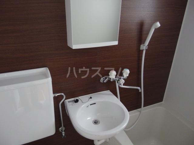 コーポ・ミネ 101号室の洗面所