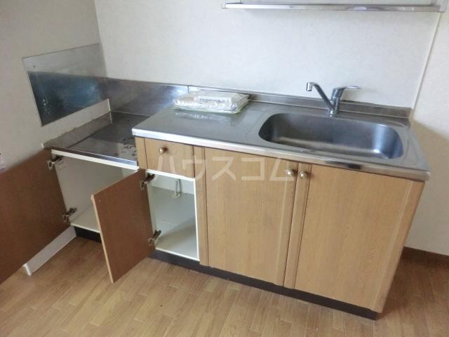 メイプル 202号室のキッチン