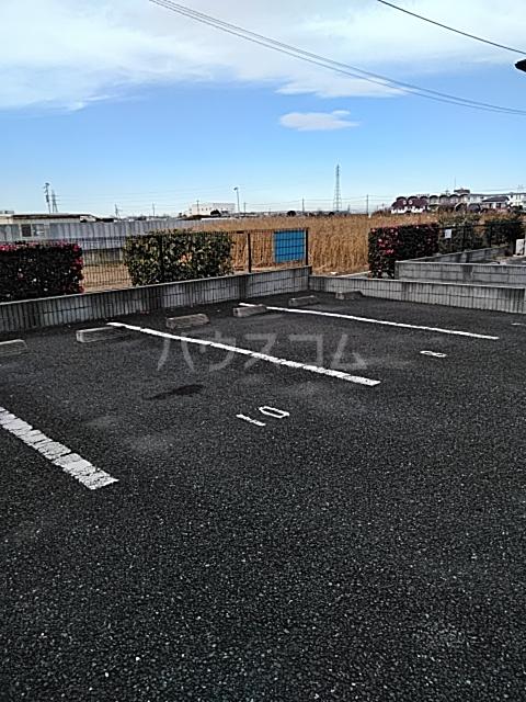 エスパスコートの駐車場