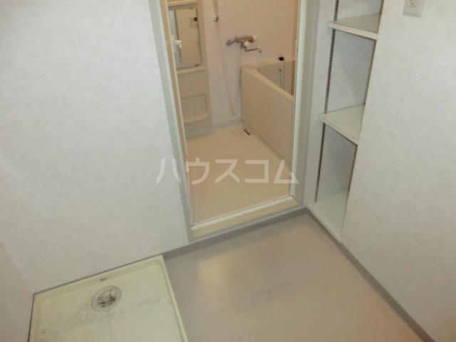 メゾン・デュ・モンテ 702号室の洗面所