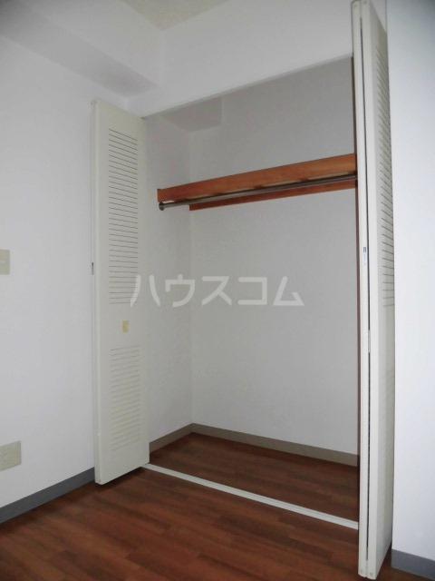 メゾン・デュ・モンテ 702号室の収納